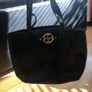 BLACK TOTE BAG *barely worn*